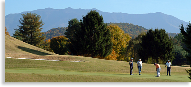 Golf in Pigeon Forge Tennessee in the Great Smoky Mountains